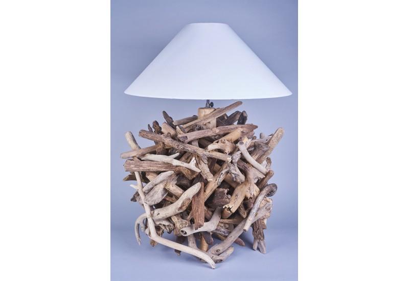 Lampe poser granat en bois flott pour le salon koh deco for Lampe en bois flotte artisanale